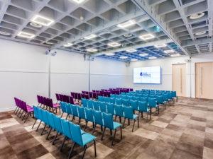 Jak wybrać salę konferencyjną na szkolenie?